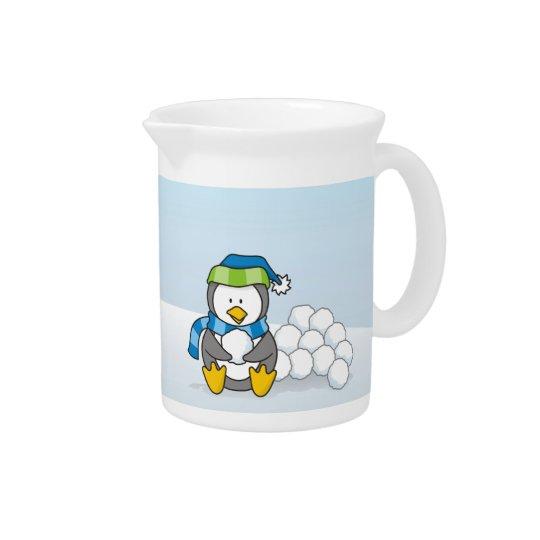 Weinig pinguïnzitting met sneeuwballen pitcher