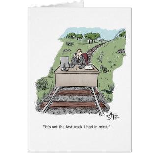 Werknemer achter bureau op treinspoor kaart