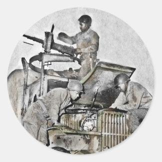 Werktuigkundigen die aan Vrachtwagen WO.II werken Ronde Sticker