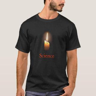Wetenschap als kaars in dark. t shirt