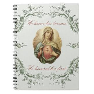 Wij eren haar Vlekkelooze Mary Notebook Ringband Notitieboek