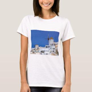 Windmolen in Oia, Santorini, Griekenland T Shirt