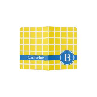 Wit Rooster op Helder Geel en Blauw Monogram Paspoort Houder