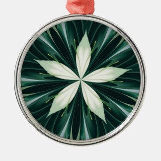 Witte Bladeren in een Groene BosCaleidoscoop Zilverkleurig Rond Ornament