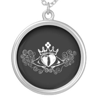 (Witte) Claddagh Ketting Rond Hangertje