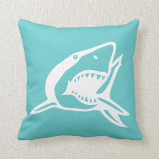witte haai op blauwgroen blauw hoofdkussen sierkussen