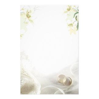 Witte lelie en van het ringenHuwelijk Kantoorbehoe Persoonlijk Briefpapier