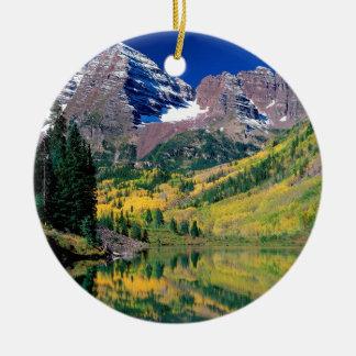 Witte Rivier BosColorado van de Klokken van het Rond Keramisch Ornament