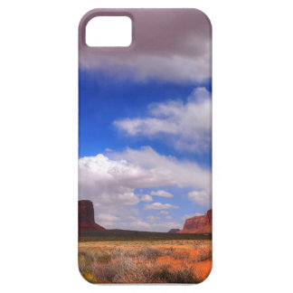 Wolken over de woestijn barely there iPhone 5 hoesje