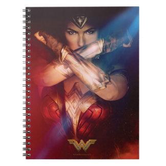 Wonder het Blokkeren van de Vrouw met Armbanden Notitieboek