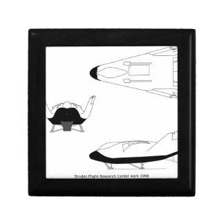 X-38_3-View_line_art_EG. - 0097-01 Decoratiedoosje