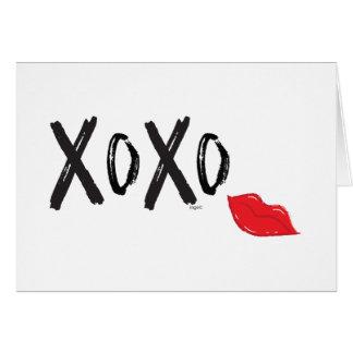 XoXo-omhelzing-kus-met-rood-lippen Wenskaart