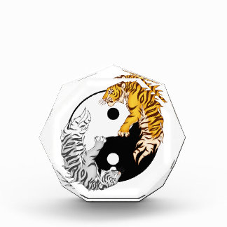 Yin & Toekenning van de Tijgers van Yang de Kleine Prijs