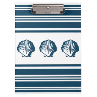 Zeeschelpen en strepen klembord