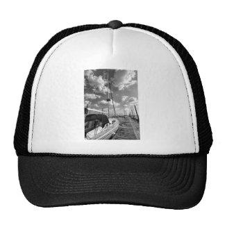Zeilboot in Zwart-wit Dok Trucker Cap