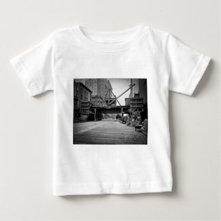 Zevende Weg en de 53ste Foto van de Stad van New Baby T-shirt