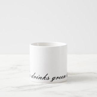 Zij drink Groene Thee Espresso Kop