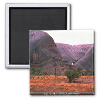 Zijaanzicht van Ayers Rots, de Woestijn van Vierkante Magneet