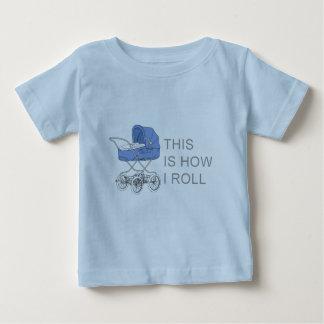 Zo rol ik het T-shirt van het Baby