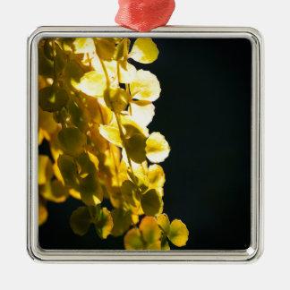 Zonnige bladeren zilverkleurig vierkant ornament
