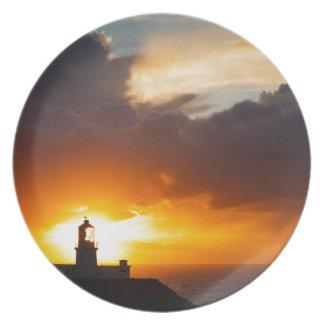 Zonsondergang bij HoofdVuurtoren Strumble Diner Borden