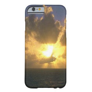 Zonsondergang over de Vreedzame Oceaan Barely There iPhone 6 Hoesje