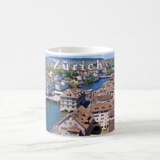 Zürich. Panorama van de Toren Grossmunster Koffiemok