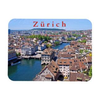 Zürich. Panorama van de Toren Grossmunster Magneet