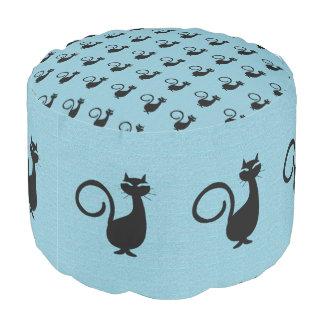 Zwart-kat-hemel-blauw-Klondike-kat--Kat-poef Poef