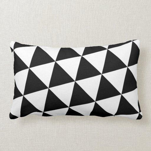 Zwart witte driehoeken lounge kussen zazzle - Zwart design lounge en witte ...