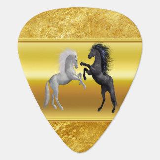 Zwarte en een wit Paard die vechten Gitaar Plectrum