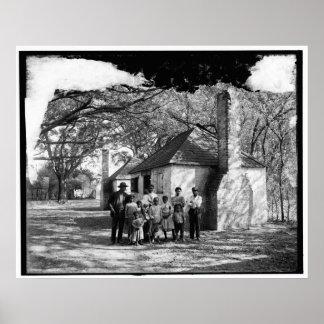 Zwarte familie bij de Kluis, Savanne, GA. c1907 Poster