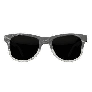 Zwarte steen & de Grijze Zonnebril van de