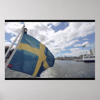 Zweedse Vlag in Stockholm, Zweden; Water; De zomer Poster