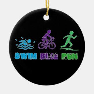 Zwem de Race Triathlete van Ironman Triathlon van Rond Keramisch Ornament