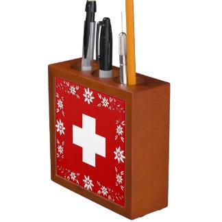 Zwitsers vlag en edelweiss pennenhouder